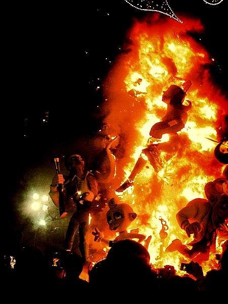 Fallas burning